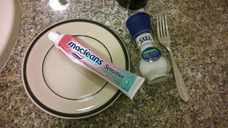 С помощью зубной пасты и соды мы сможем убрать черные точки на носу