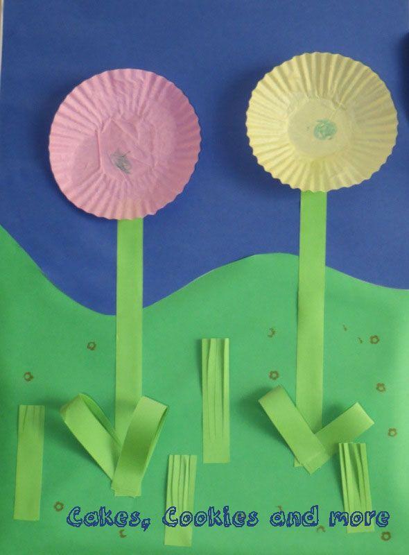 Mit Kleinkinder Blumen aus Cupcakes - Förmchen basteln