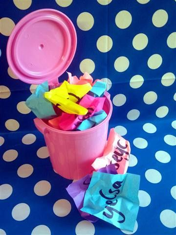 Kits4Kiddies.com has created activities that incorporate many skills your kiddie will need to tackle their first year of school. This activity works on building fine motor skills as well as assisting your kiddie to recognise their name.