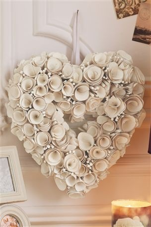 Cream Rose Heart