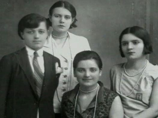 Atatürk'ün manevi kızları: Rukiye Erkin, Sabiha Gökçen, Afet İnan, ve Zehra Aylin
