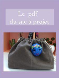 Ceci est le pdf d'un sac à projet à fond rectangulaire et qui est pourvu de plusieurs poches à l'intérieur. Il est idéal pour ranger ses encours de crochet ou de tricot ou tout autre travail d'aiguilles. Vous pouvez le retrouver sur mon blog.