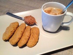 Prăjituri fragede cu unt de arahide