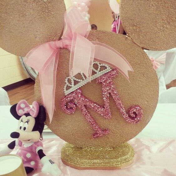 Pink gold minnie st birthday by teasha centerpieces