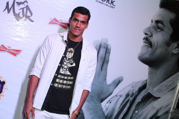 Marcello Melo Jr., do 'Dança dos Famosos', comemora aniversário em boate do Rio