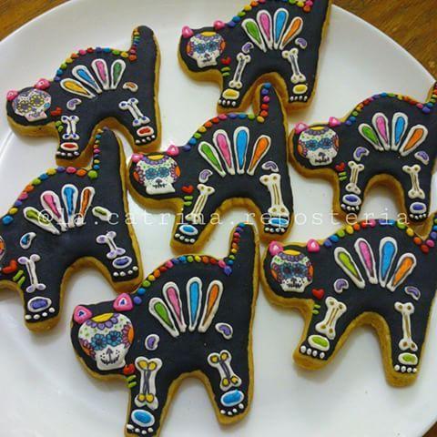 Gatitos de día de muertos :-) #LaCatrina #Repostería #chefsoninstagram #chef #calaveritas #calaveritasdeazúcar #díademuertos #dayofthedead #tradición #galletas #cookies #coloresmexicanos #Villahermosa #Tabasco #twittab #cat #gato #WeArePros