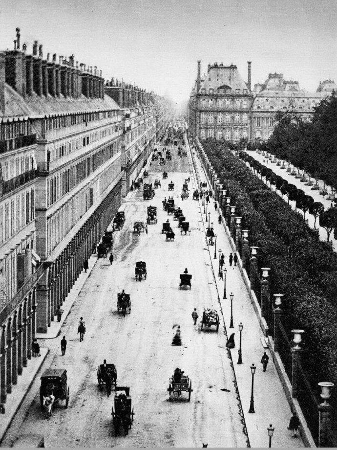 La rue de Rivoli vers 1855 (!). ça laisse rêveur... Une photo d'Adolphe Braun (1812-1877)  (Paris 1e/4e)