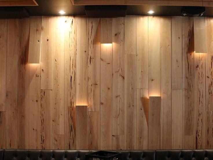 Pareti rivestite con perline di legno