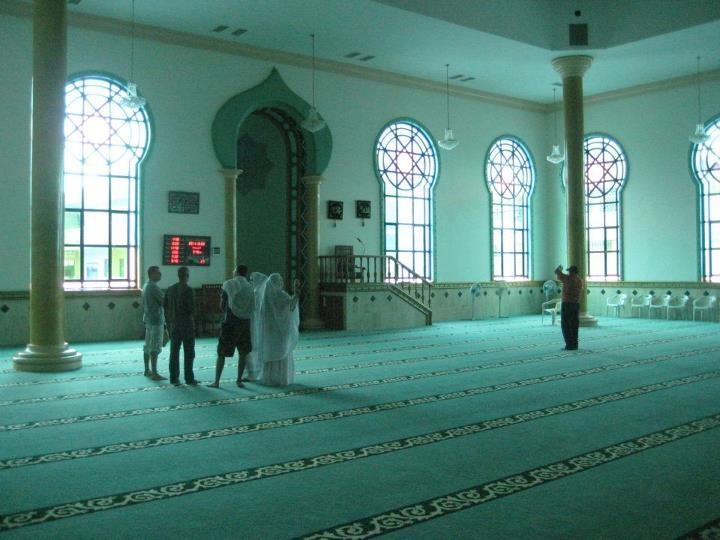 El interior de la mezquita Omar Ibn Khattab en Maicao  Guajira  Colombia