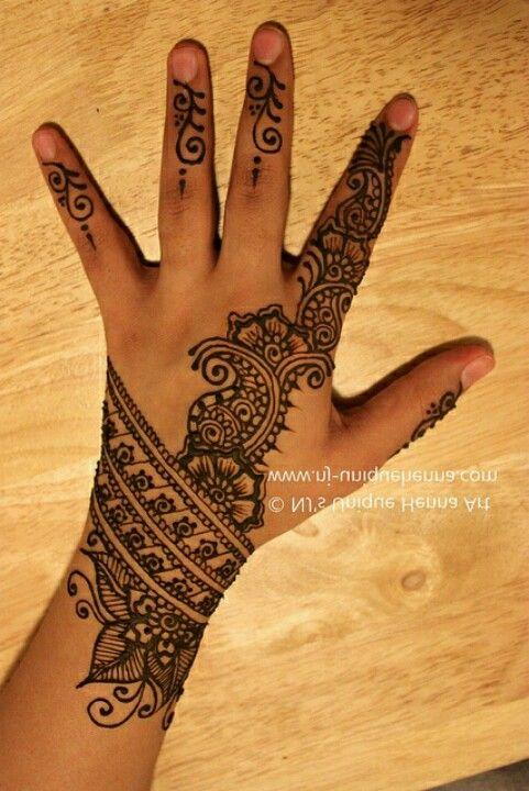Wrist Hand Mehndi : Simple mendhi love the wrist piece beautiful