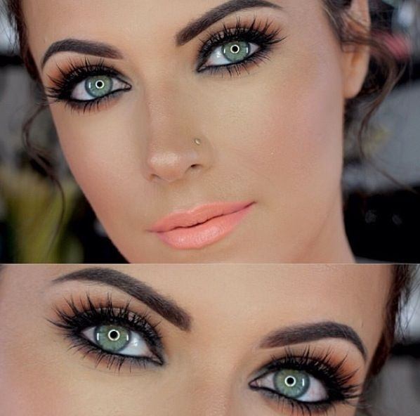 Play up beautiful green/blue eyes