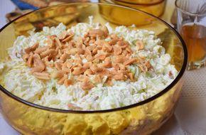 Krompir salata sa prazilukom i kikirikijem - Suština - ovo je zaista jako ukusna salata. Veoma često smo znali navaliti na nju onako...bez ičega kao prilog. Pardon, salata bi trebala biti prilog, ali nama bude glavno jelo ;) Glavni junak salate - kikiriki i nemojte je ni praviti ako ćete ga izostaviti. Jednostavno - nije to to!