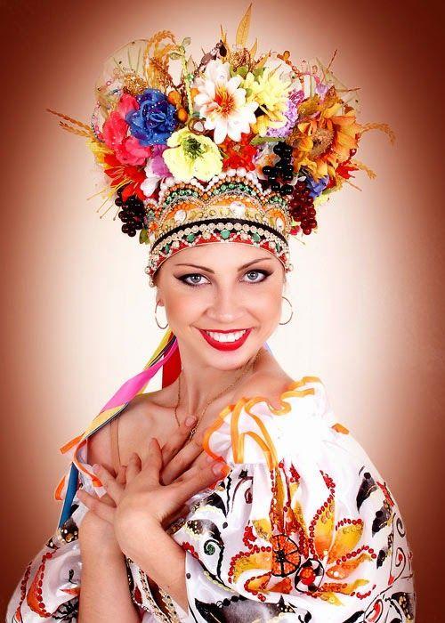 Свадебные платья : Украинские свадебные платья: наряд в национальном стиле