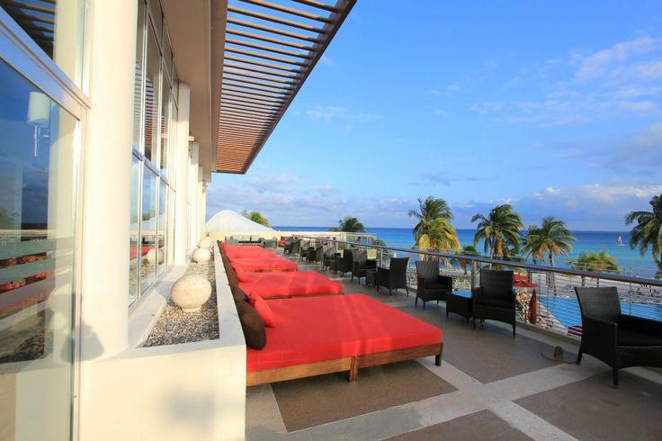 Azul Fives Riviera Maya, Rooftop Lounge