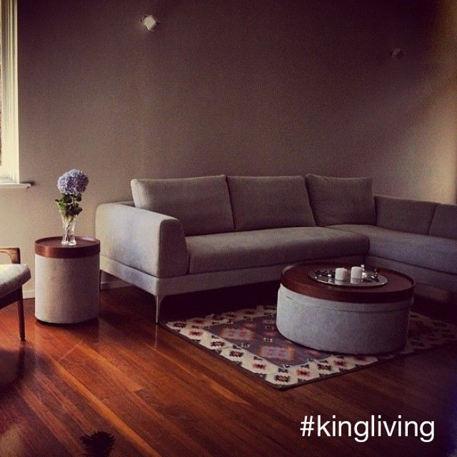 Thanks to @melgruj for sharing this gorgeous #KINGLIVING setting