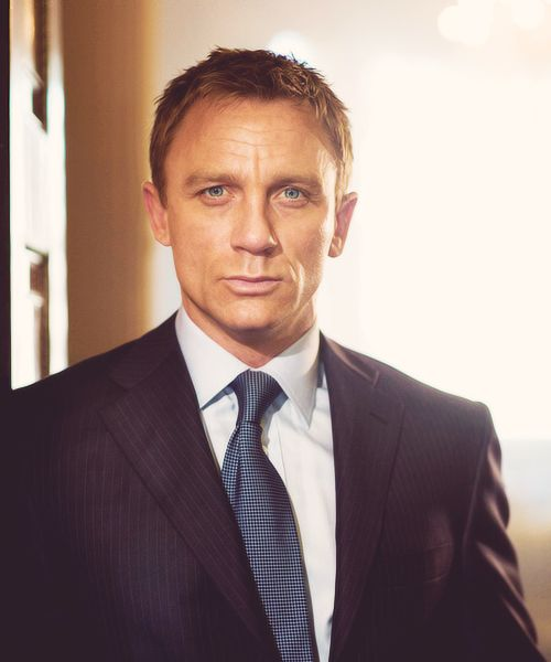 Daniel Craig, another handsome older man.