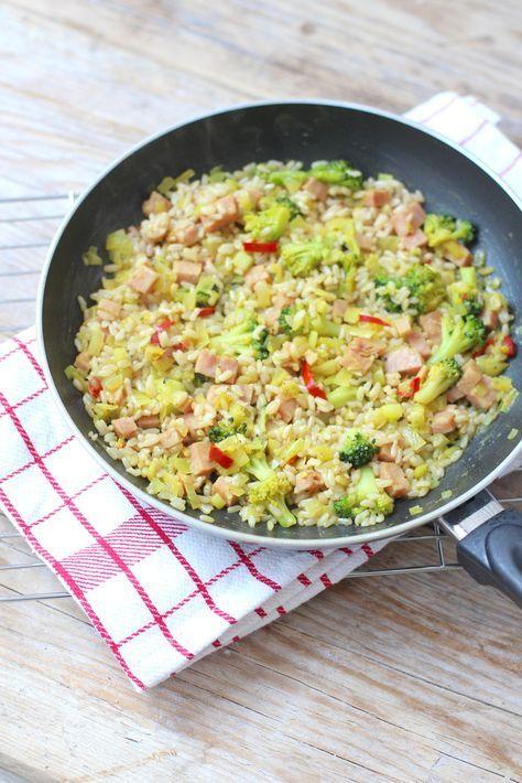 Gebakken rijst met broccoli en ham