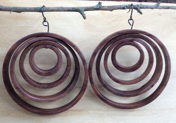 Concentric circle hoop earrings - Walnut wood