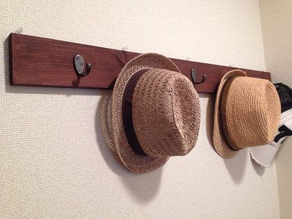 DIY:廃材で帽子掛け。