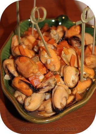 LES MOULES À L'ESCABÈCHE - Une recette authentique de tapas espagnole, très simple à réaliser et vraiment délicieuse, à condition d'aimer les moules !!