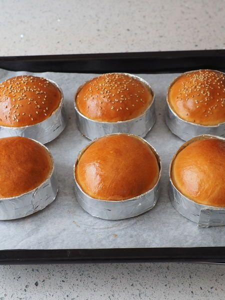 牛乳パックの型で、ふんわり手作りハンバーガーバンズ by 小林 睦美(きゃらきゃら)   レシピサイト「Nadia   ナディア」プロの料理を無料で検索