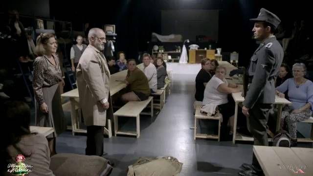 """""""Último tren a Treblinka"""" obliga en la Sala Cuarta Pared a mirar el horror de cerca, envolviendo a los espectadores que toman asiento en el mismo orfanato del que fueron sacados cerca de 200 niños para ser eliminados en el campo de exterminio"""