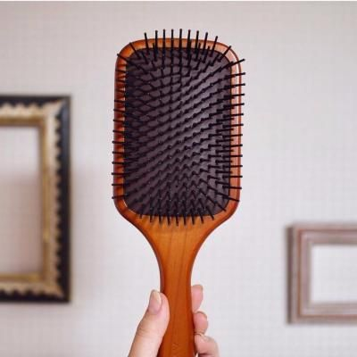 美髪をgetパドルブラシで頭皮ケアをしてツヤ髪を手に入れよう