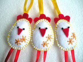 Deko-Objekte - 3 Filz Hähnchen - Frühling, Ostern Anhänger - ein Designerstück von gofen bei DaWanda