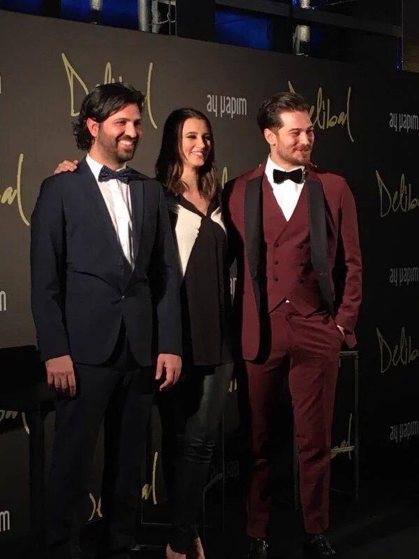 Çağatay & Leyla At Delibal Premiere 20 December 2015.