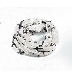 Lækkert tørklæde i sort med hvide kors på - eller omvendt