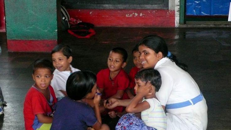 Film o škole sestry Cyril v Indii, kde se učí děti z bohatých i chudých rodin navzájem