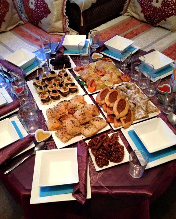 photo ramadan-inspiratie-iftar-tafel-wat-dekt-tafel-vandaag-recepten-marokkaans_zps8c45dcb0.png