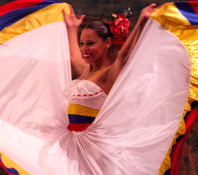 Vestido de cumbia! :) Colombia dancer