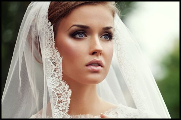 Top 6 Eye Makeup Tips For Brides and Their BFF's. 1.  If you're planning to apply any eye shadows and you want the color to last throughout the day, wear an eye shadow primer. Even if you've never worn one before this is the one day you'll be sorry that you didn't. You want your eye makeup to stay fresh and last throughout the day into the evening.