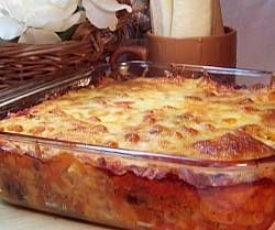 It couldn't be easier! The macaroni cooks while the hamburger casserole bakes. Top with mozzarella cheese and serve with soft breadsticks.