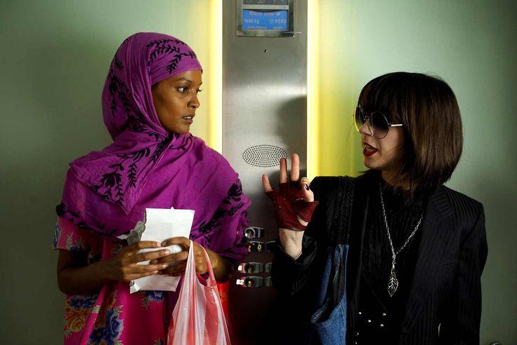 Fiore del deserto. La storia vera di una #donna che ha cambiato il mondo dai deserti della #Somalia, alle passerelle di moda. La storia di #Waris #Dirie, splendida e ricercatissima modella, l'unica bond girl venuta dal #deserto con i suoi drammatici segreti http://www.ilsitodelledonne.it/?p=19866