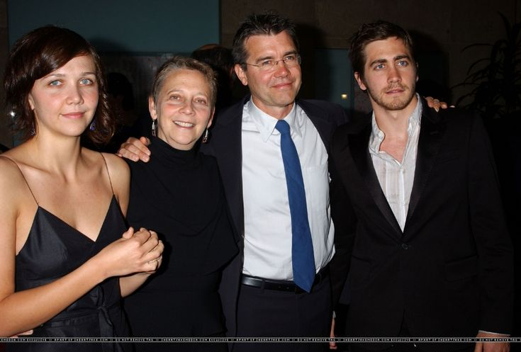 Jake Gyllenhaal with sister Maggie, mother Naomi and ...