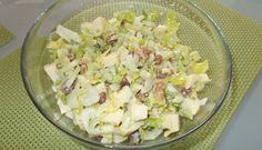 Bleekselderij-appel-rozijn-walnoot Salade Met Honing-mosterd-dressing recept   Smulweb.nl
