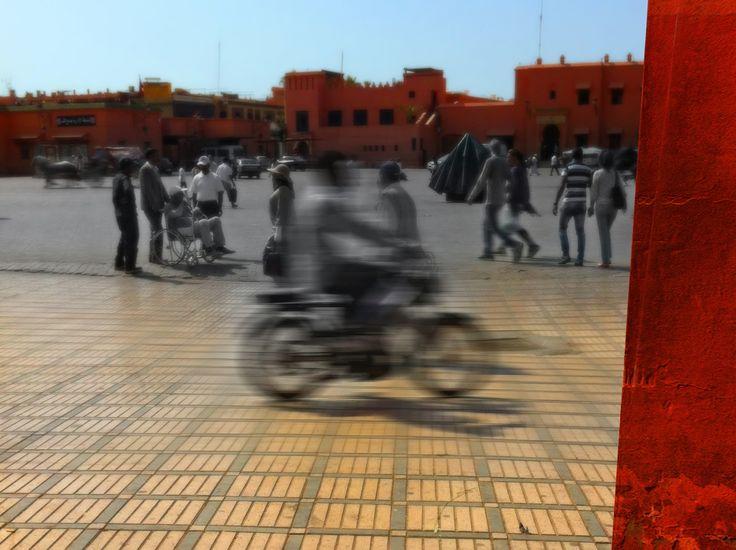 djeema el fan square marrakech day