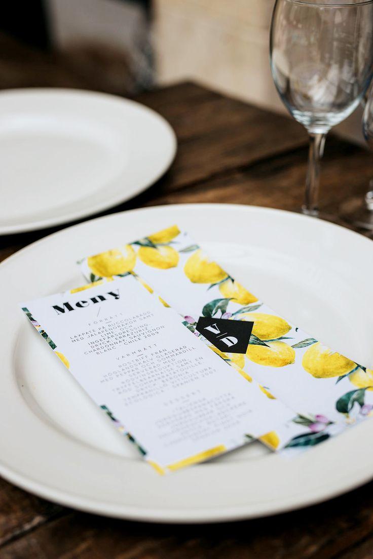 lemon menu card for wedding. gula citroner meny och menykort och bröllopsprogram för bröllop och fest