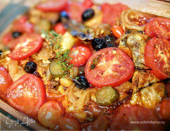 Курица, тушеная с помидорами по-средиземноморски . Ингредиенты: помидоры черри, помидоры, лук красный