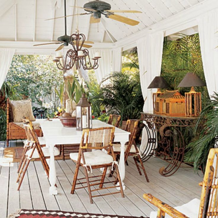 Outdoor Dining Room: Tropical Outdoor Dining Room