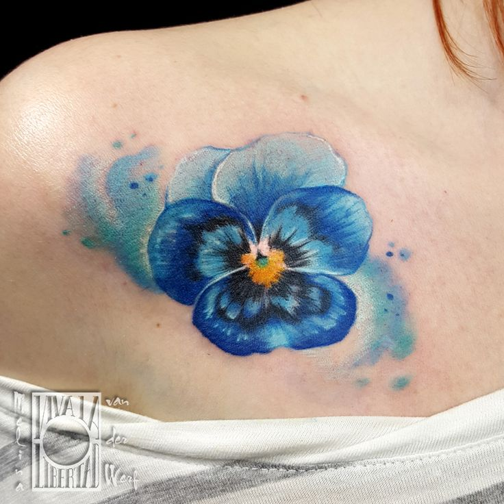 realistic pansy tattoo Melina van der Werf color flower tattoo