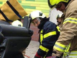 Feuerwehrdezernent verbringt einen Wachtag bei der Feuerwehr Ratingen http://www.feuerwehrleben.de/feuerwehrdezernent-verbringt-einen-wachtag-bei-der-feuerwehr-ratingen/ #feuerwehr #firefighter #ratingen