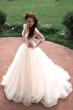Boho Princess A-Line V-Neck Tulle Ivory Long Sleeves Wedding Gowns PM358