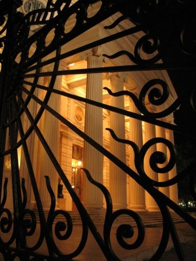The Romanian Athenaeum at Night (Atheneul Roman) Photo by K.Csaba @ http://www.panoramio.com/photo/4632445