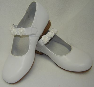 first+communion+shoes+for+girls | Girls White Leather Dress Shoe with 3 roses - Communion Shoes - First ...