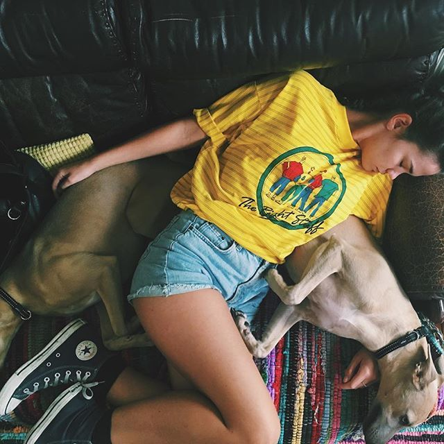 This picture captures the essence of cool.For an everyday casual look, Maia Mitchell has nailed this vibe. Her style is the epitome of the casual and cool chick next door. It is effortlessly put together in a super cute way and has us dreaming of summer style. She is also next to her super adorable dog which definitely adds cute points. Instagram - @maiamitchell Twitter - @MaiaMitchell Photo: Maia Mitchell/Instagram
