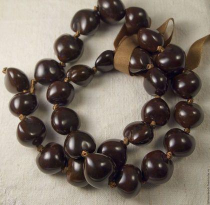 Для украшений ручной работы. Бусины темные коричневые гладкие из ореха кукуи (Филиппины), 22-25 мм. РЕДКИЕ И ЭКЗОТИЧЕСКИЕ БУСИНЫ. Ярмарка Мастеров.