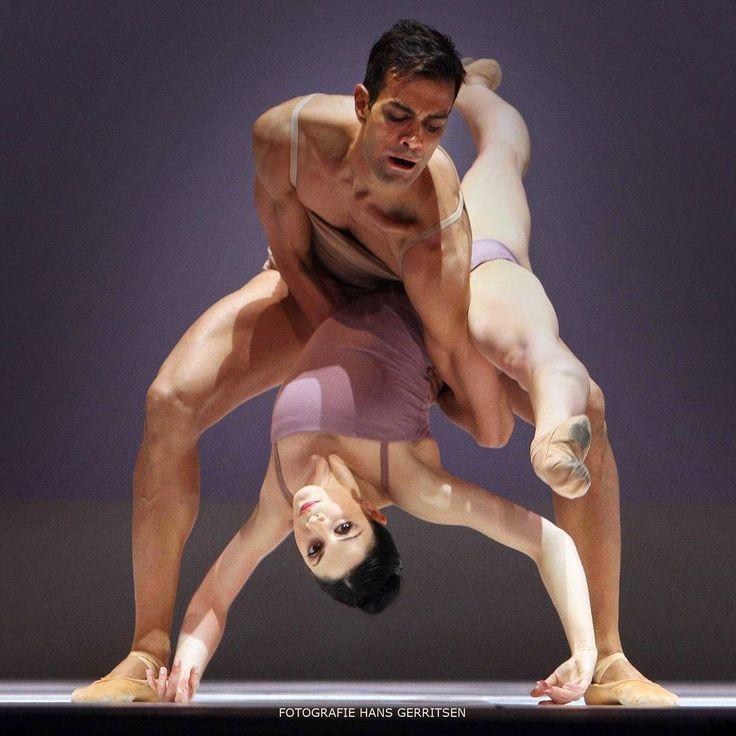"Maia Makhateli and Vito Mazzeo, ""Chroma"" choreography by Wayne McGregor from ""Cool Britannia"", Het Nationale Ballet Dutch National Ballet - Photographer Hans Gerritsen"